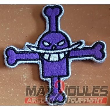 patch velcro one piece barbe blanche croix violette avec moustache