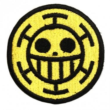 patch velcro one piece trafalgar law smiley sur fond jaune